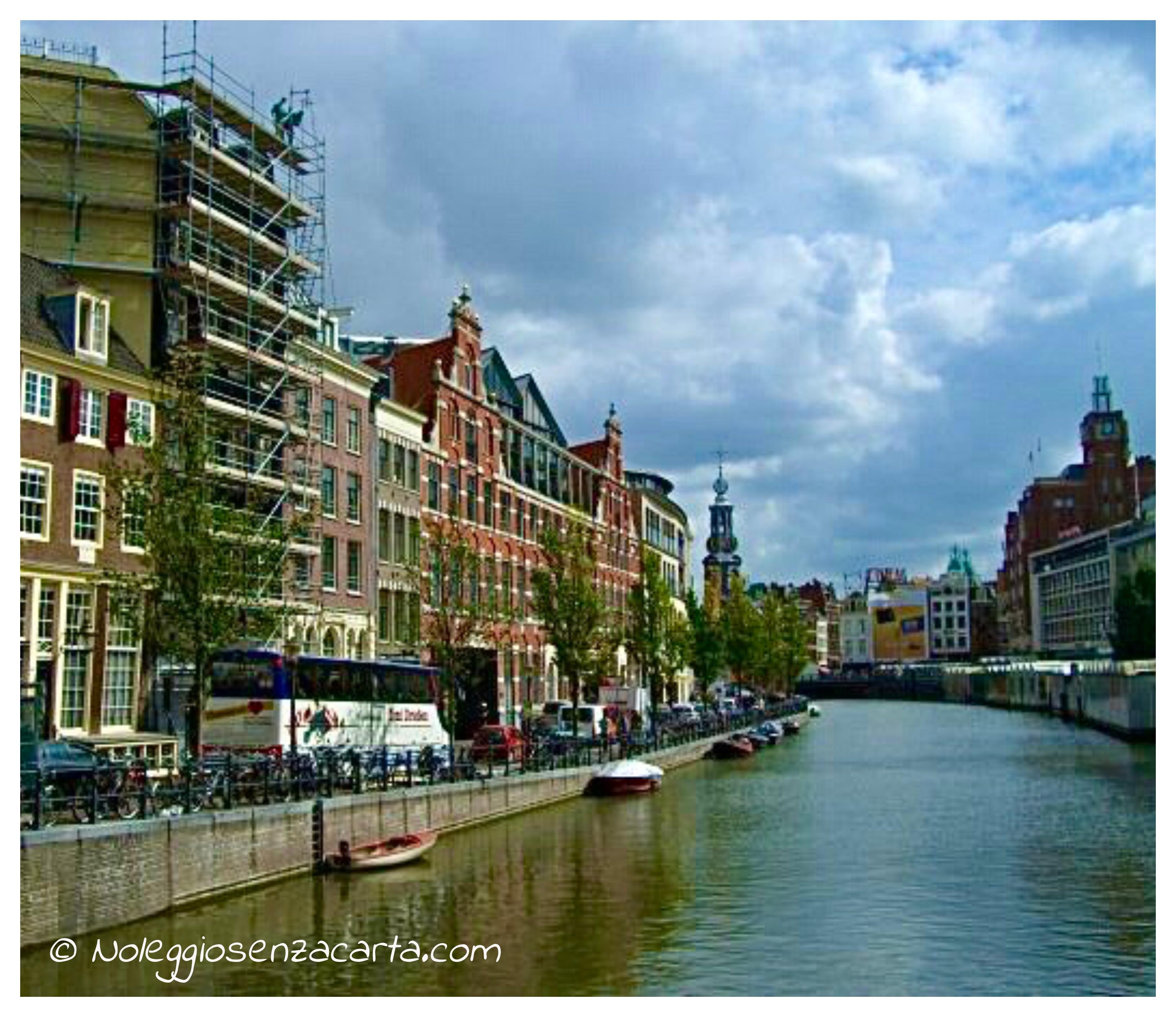 Noleggiare auto senza carta di credito ad Amsterdam