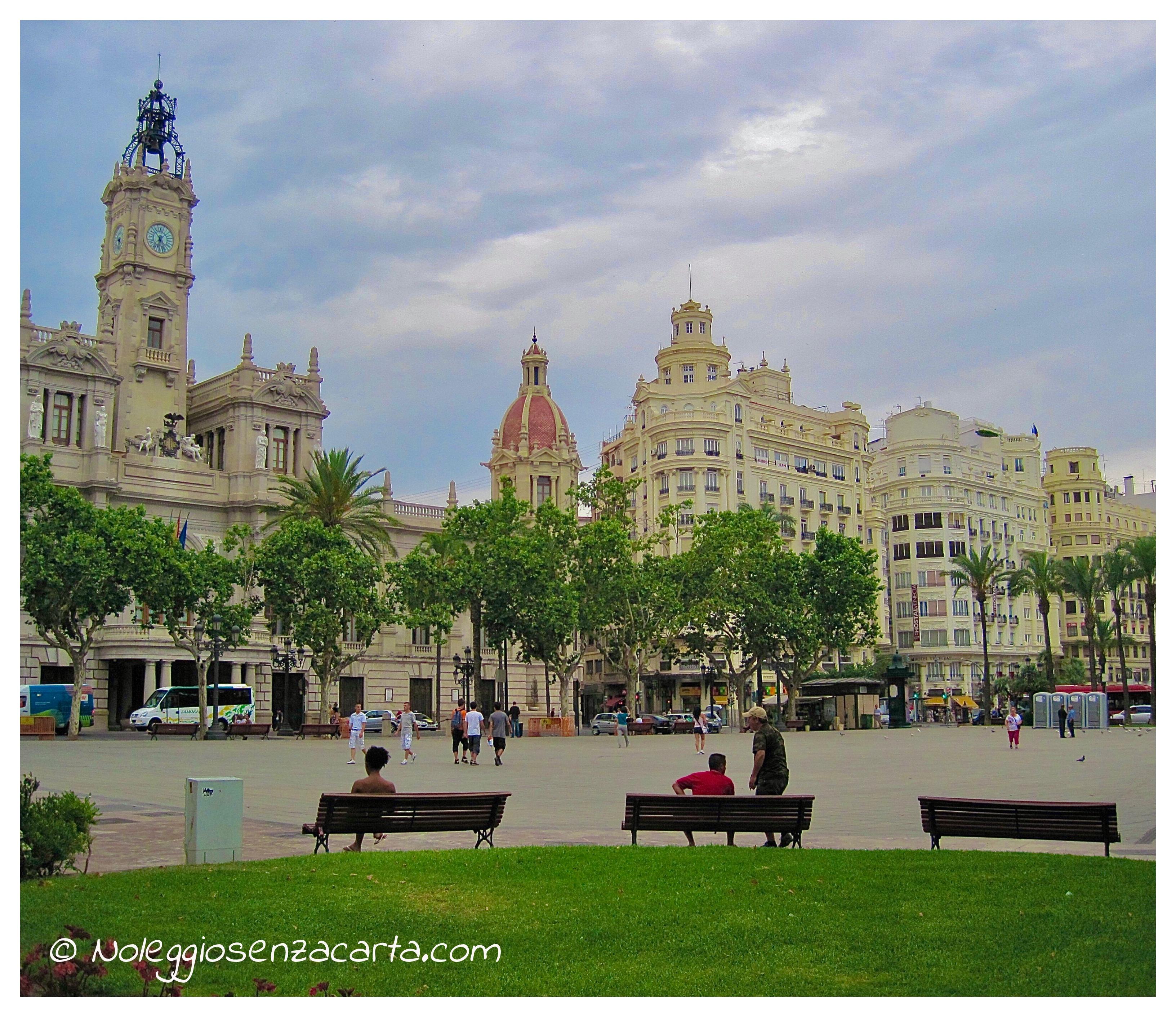 Noleggiare auto senza carta di credito a Valencia