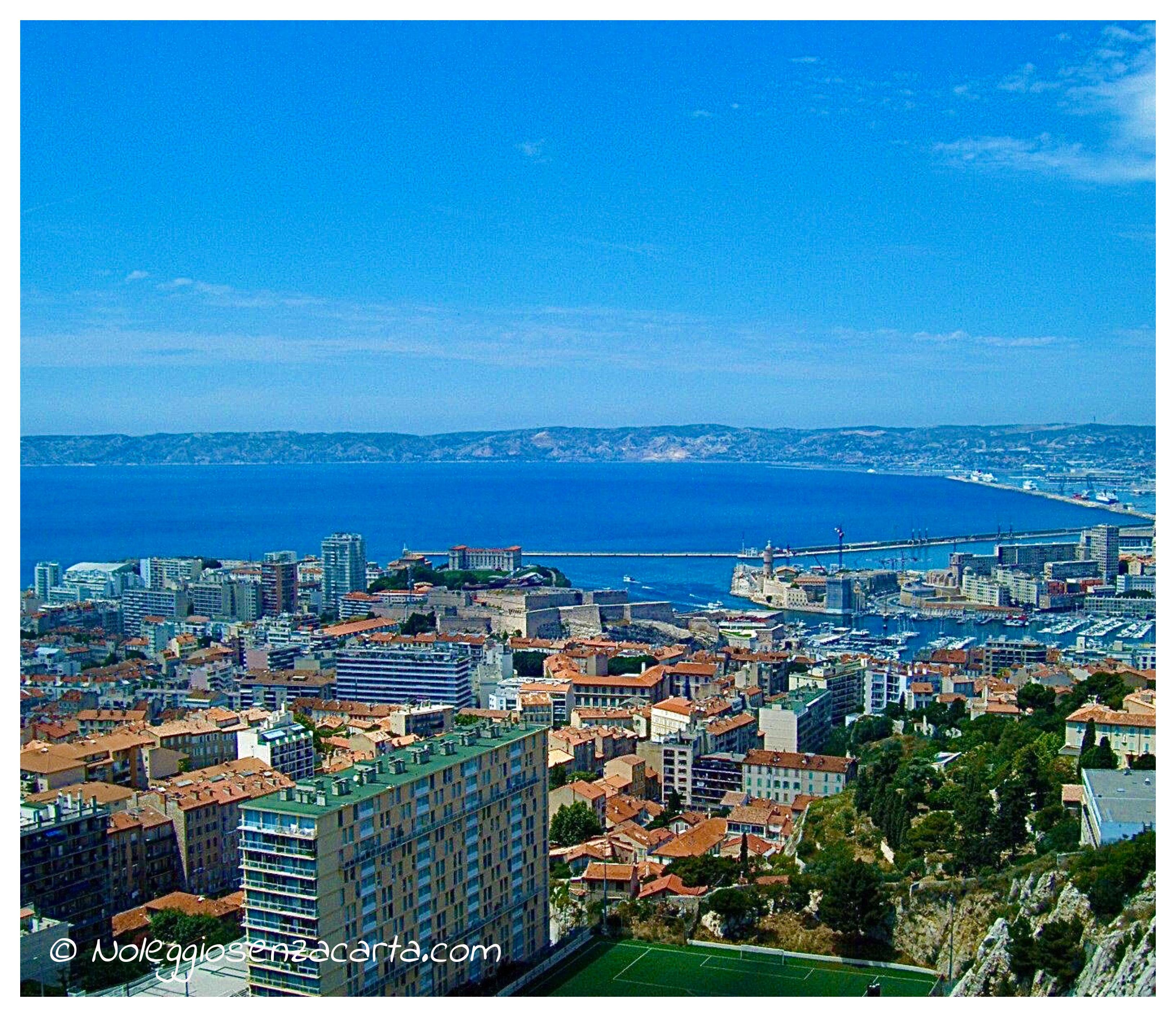 Noleggiare auto senza carta di credito a Marsiglia