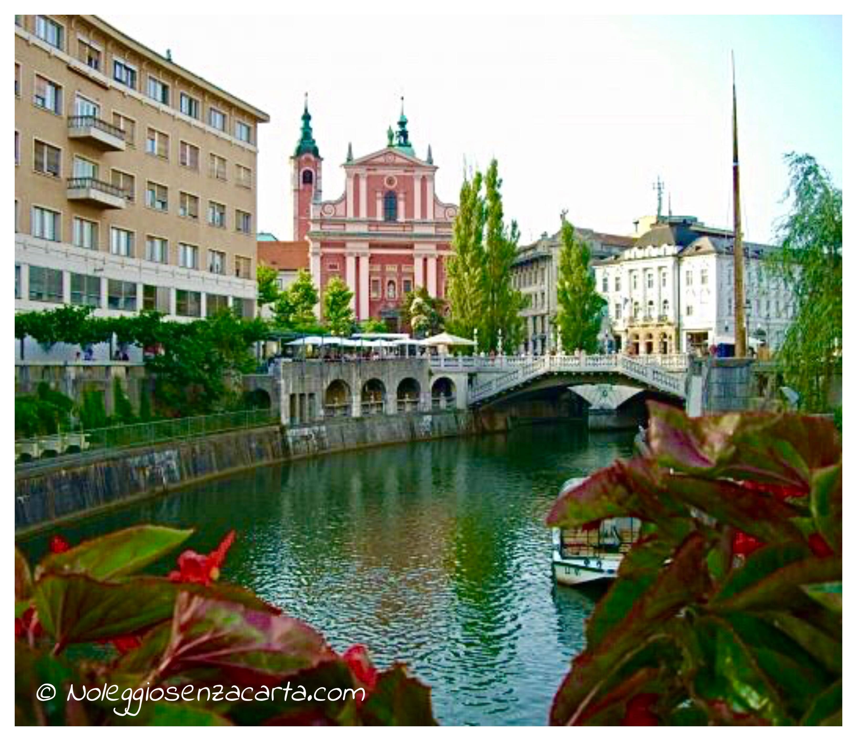 Noleggiare auto senza carta di credito in Slovenia