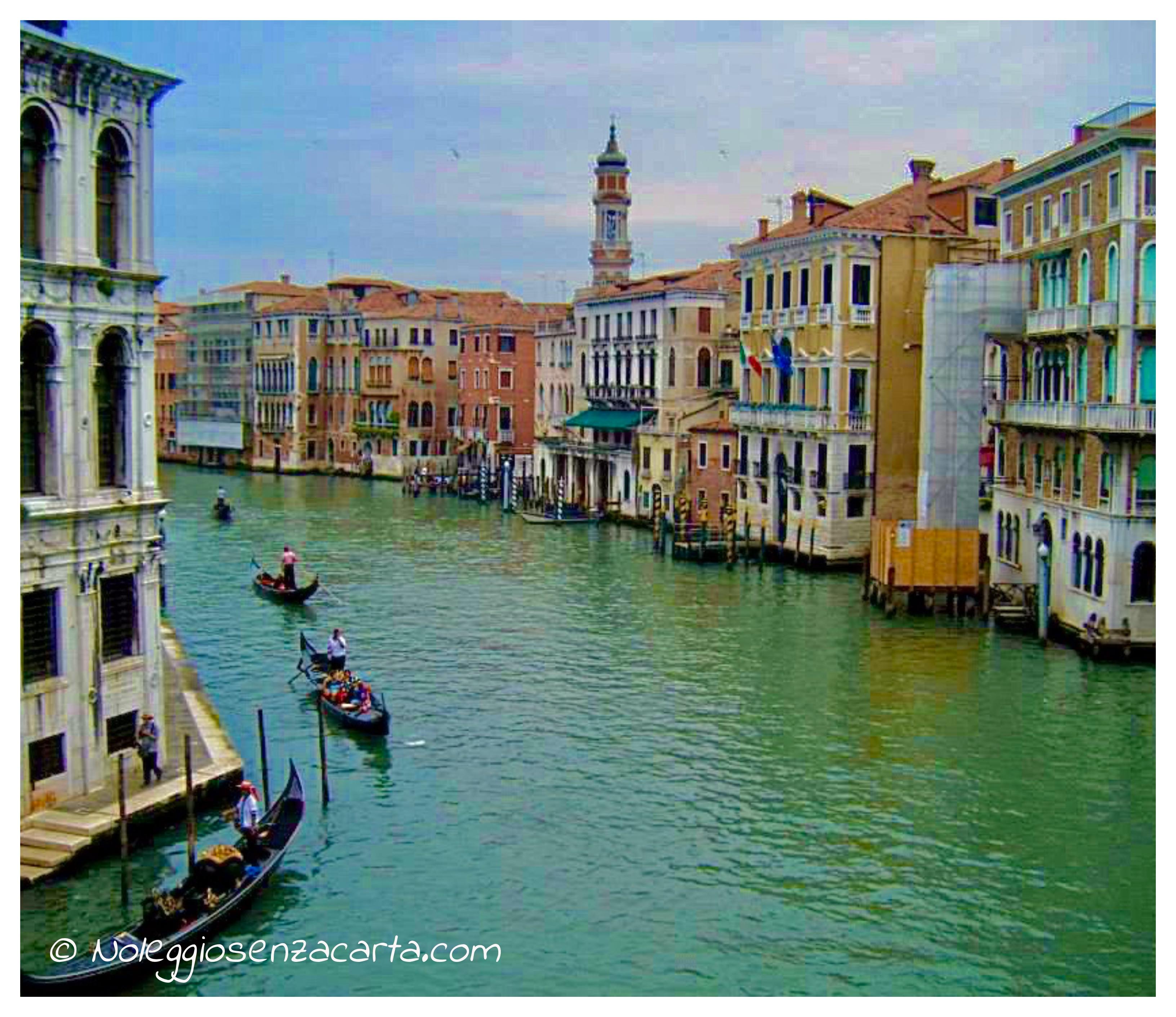 Noleggiare auto senza carta di credito a Venezia